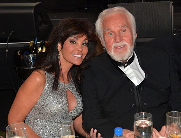 Kenny Rogers is Selling his Atlanta Home