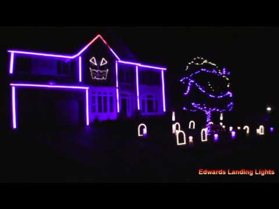 Halloween Light Show Features Sam Hunt's 'House Party' [VIDEO]
