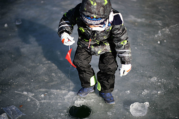 Kids 39 ice fishing derby saturday in poland for Ice fishing derby